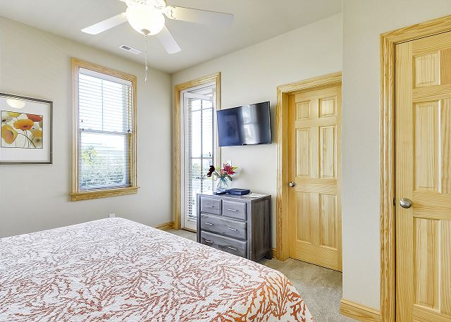 4th King Master Suite mid level