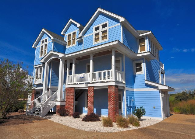 of Pinch Me, a 5 bedroom, 5.5 bathroom vacation rental in Corolla, NC
