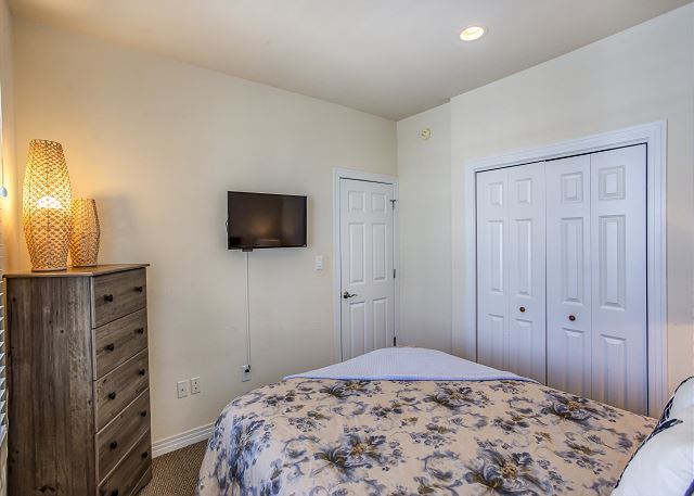 Queen Bedroom Entry Level of Par-Tee by the Sea, a 4 bedroom, 3.5 bathroom vacation rental in Corolla, NC