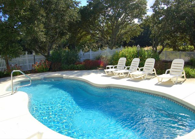 Private Pool Thanks Dad is a 6 bedroom, 5.5 bathroom vacation rental in Corolla, NC