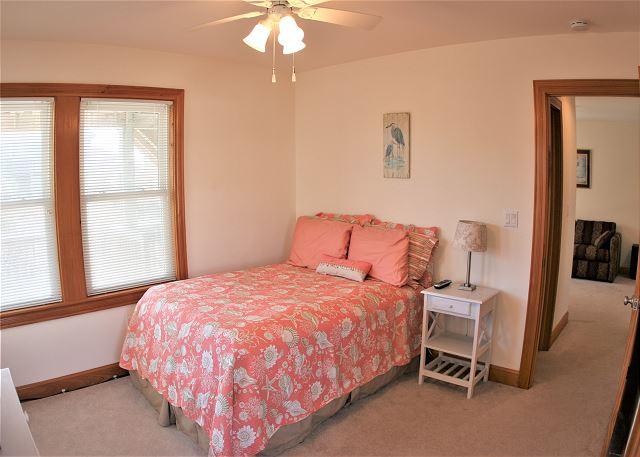 Double Bedroom - Mid Level