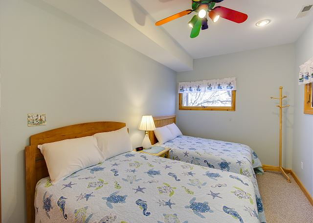 Bedroom with 2 Double Beds Entry Level