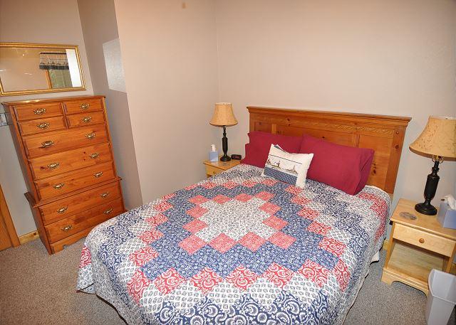Queen Bedroom Top Level