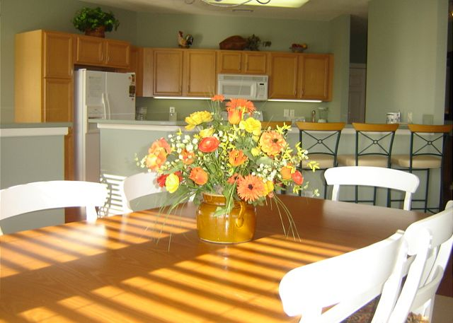 Dining area of Beach Boddie, a 4 bedroom, 3.0 bathroom vacation rental in Corolla, NC