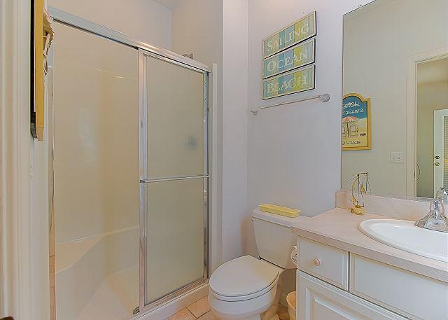 Queen Master Bathroom Entry Level