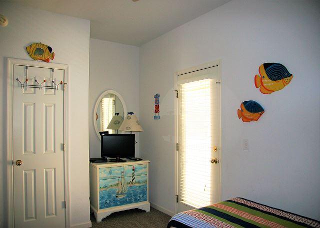 Pyramid Bunk, Twin Bedroom Entry Level