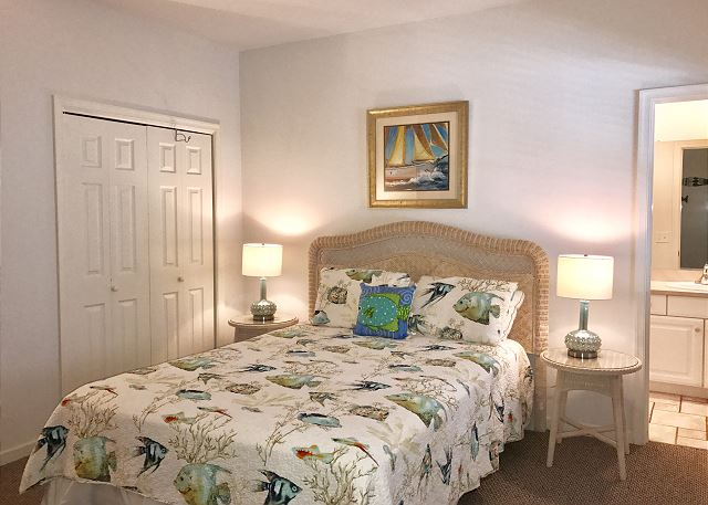 Queen Master Bedroom Entry Level