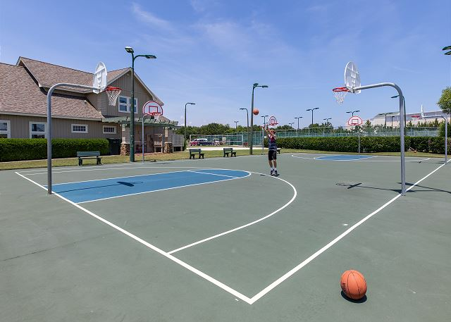 Currituck Club Basketball Courts