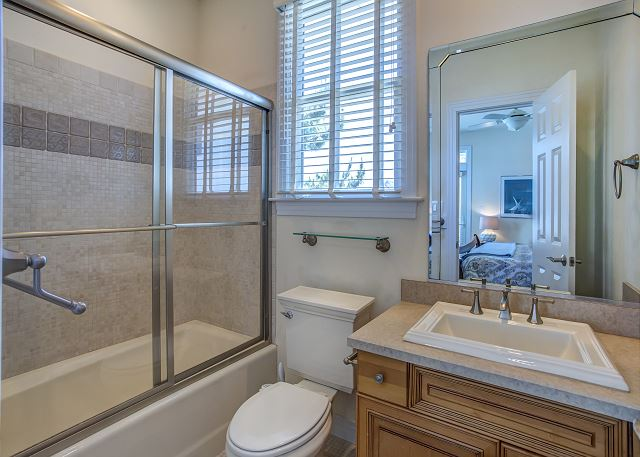Kiing Master Bathroom Entry Level of Par-Tee by the Sea, a 4 bedroom, 3.5 bathroom vacation rental in Corolla, NC