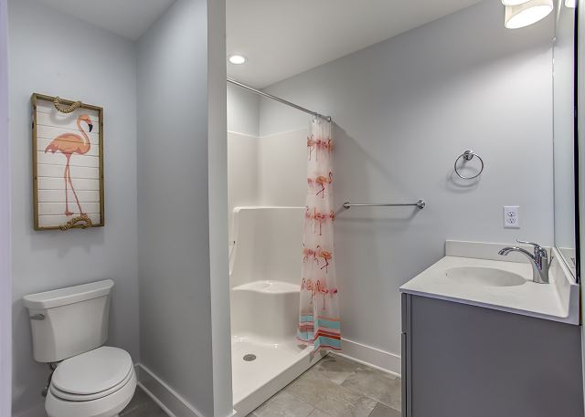 Double/Twin Master Bath - Mid Level