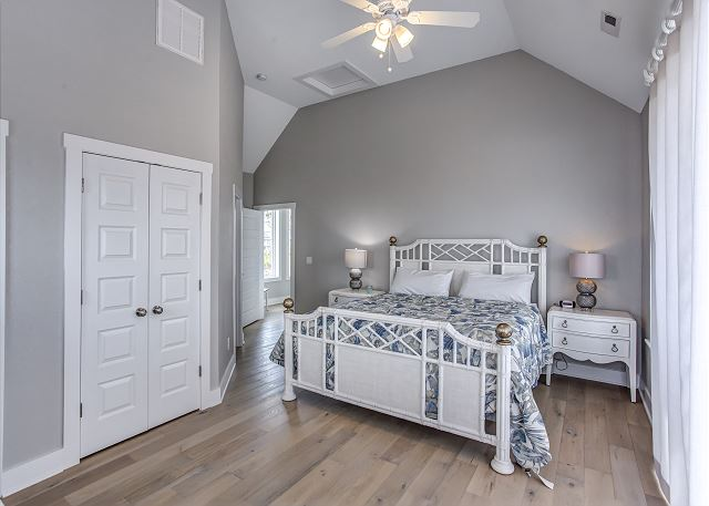King Master Bedroom - Top Level