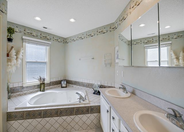 Entry Level King Master Bath