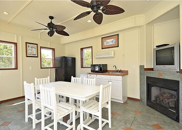 Cabana Room-Guest House of Coastal Castle, a 8 bedroom, 7.0 bathroom vacation rental in Corolla, NC