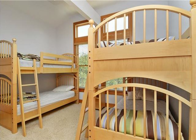 Bunk Room Mid Level of Thanks Dad, a 6 bedroom, 5.5 bathroom vacation rental in Corolla, NC