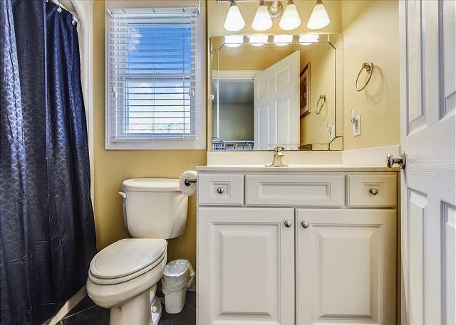 Bunk Room Master Bath - Ground Level