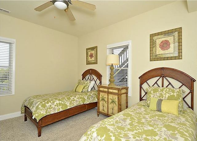 Double Twin Bedroom - Mid Level