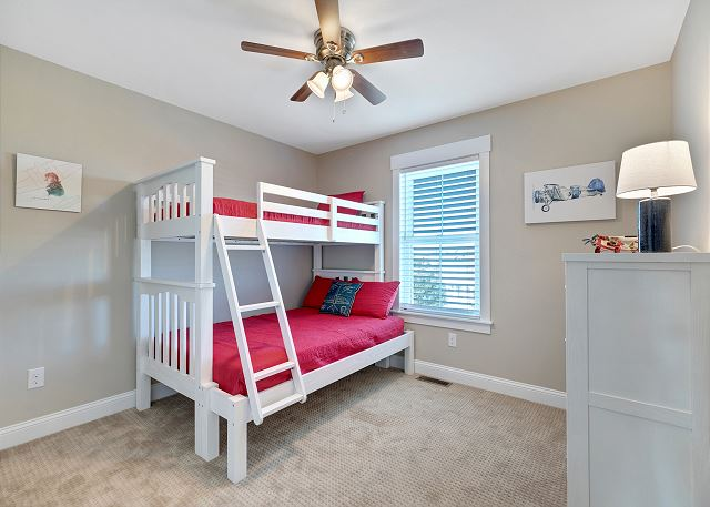 Bunk Bedroom - Mid Level