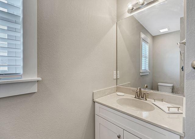 Hall Bath - Mid Level