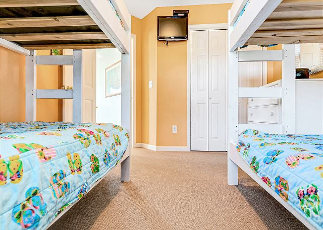 Double Bunk Bedroom - Top Level