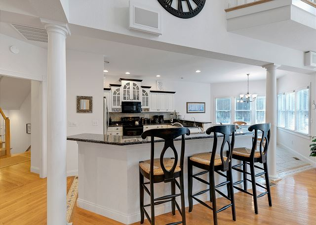 Kitchen Island - Entry Level