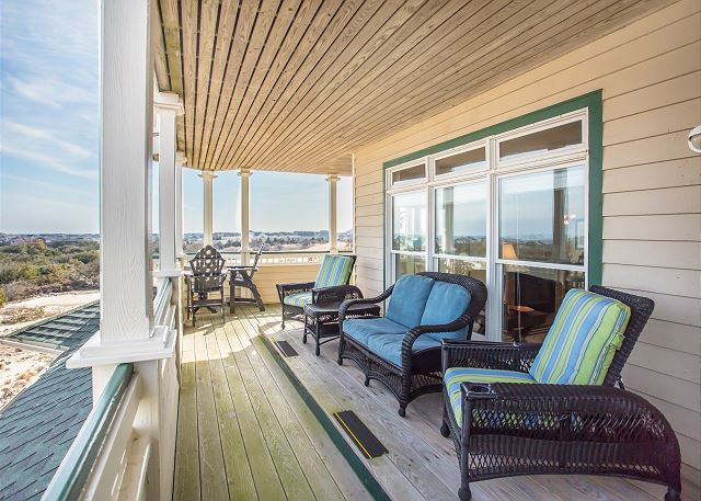 of Memories By The Sea, a 3 bedroom, 3.0 bathroom vacation rental in Corolla, NC