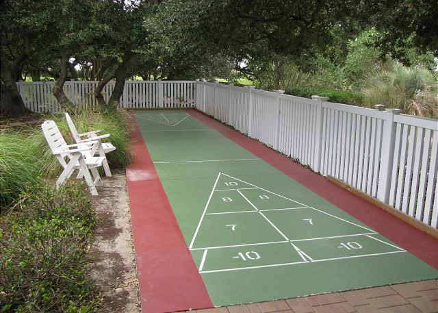 Shuffleboard Court Thanks Dad is a 6 bedroom, 5.5 bathroom vacation rental in Corolla, NC