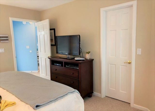 King Master Bedroom Top Level Sandy Heels is a 4 bedroom, 3.5 bathroom vacation rental in Corolla, NC