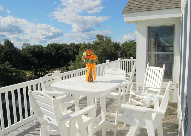 Upper Deck of Thanks Dad, a 6 bedroom, 5.5 bathroom vacation rental in Corolla, NC