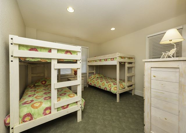 Double Bunk Bedroom - Ground Level
