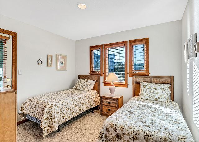2 Twins Bedroom - Mid Level