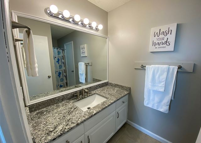Semi-Private Bath new granite vanity- Mid Level