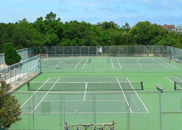 Monteray Shores Tennis Courts