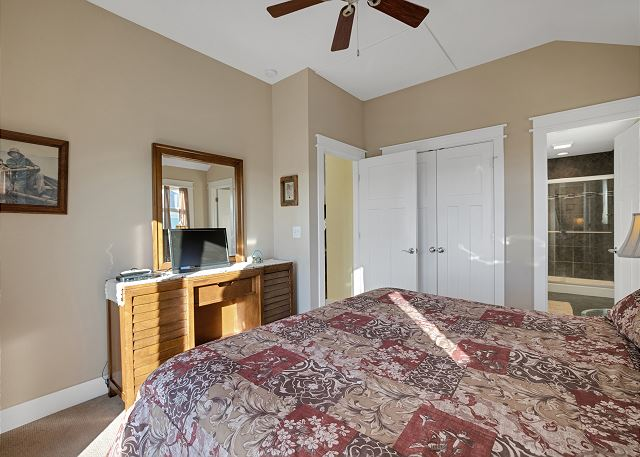 King Master Suite - Top Level