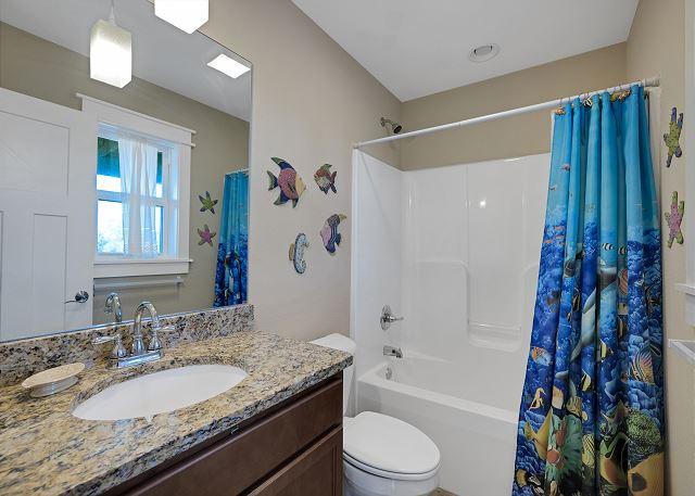 Bunk Room Master Bath - Mid Level