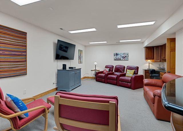 Lounge - Ground Level