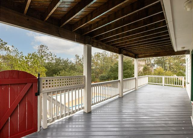 Covered Back Deck - Mid Level