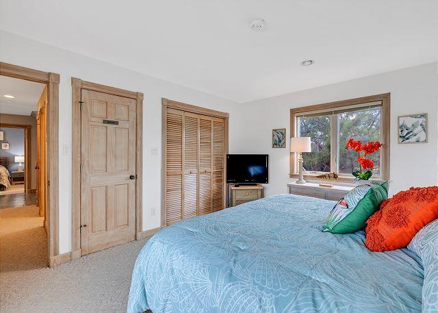 King Bedroom - Mid Level