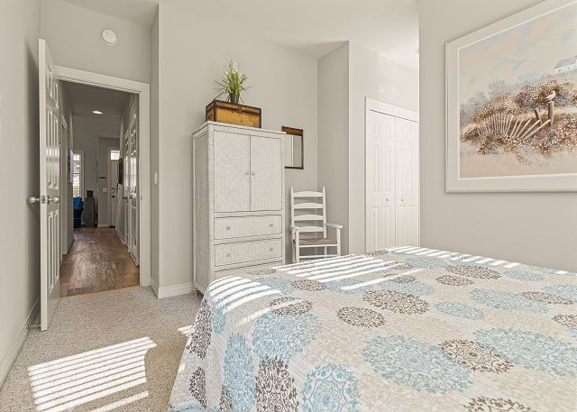 Queen Master Suite - Entry Level