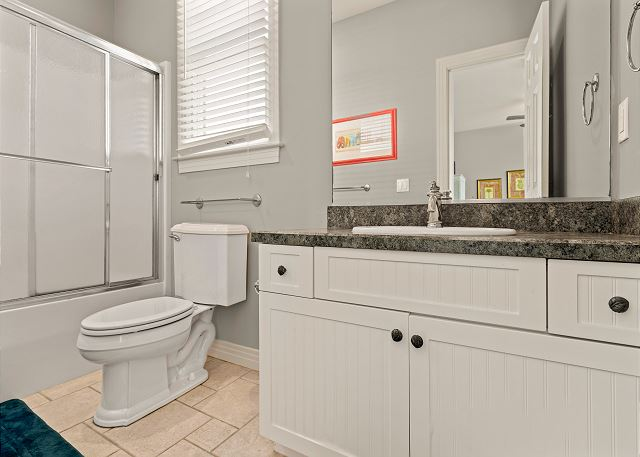 Queen Master Bath - Entry Level