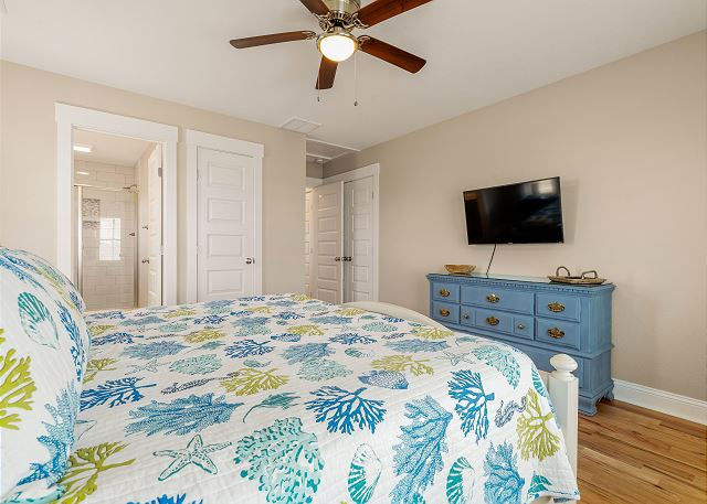 King Master Suite - To Level
