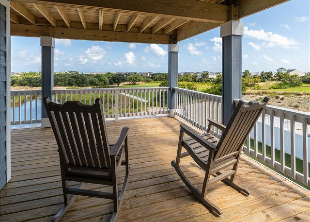 Back Covered Deck - Mid Level