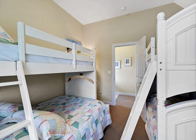 Double Bunk Room - Ground Level