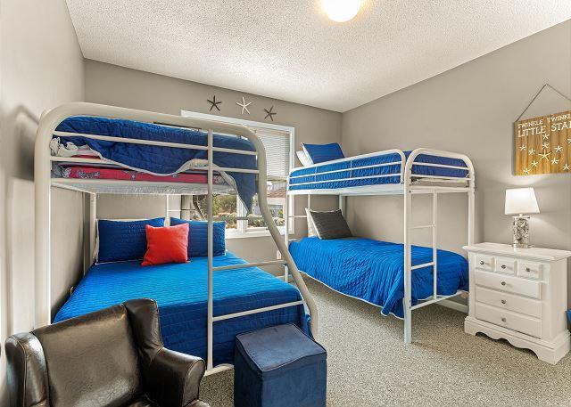 Double Bunks Bedroom - Mid Level