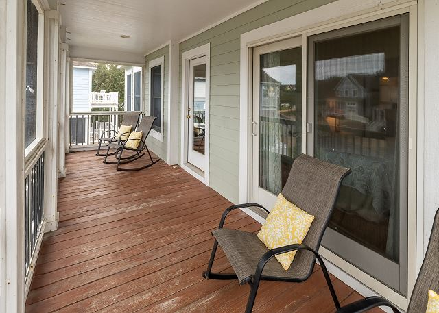 Front Screened Porch - Top Level