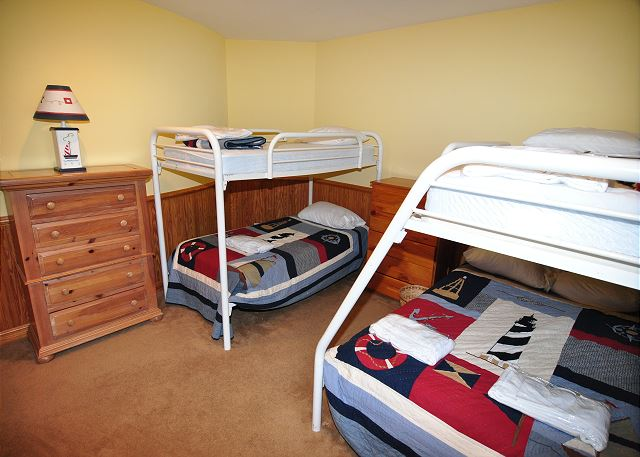 Bunk Room Entry Level Silver Creek is a 5 bedroom, 4.5 bathroom vacation rental in Southern Shores, NC