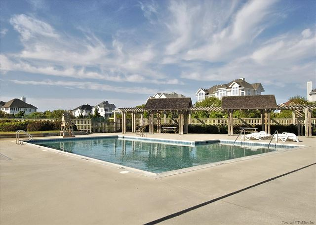 Pine Island Pool of Full House, a 5 bedroom, 4.5 bathroom vacation rental in Corolla, NC