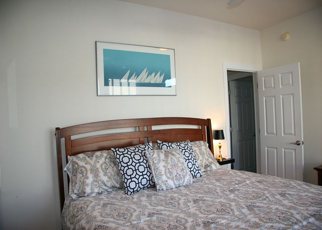 Queen Master Entry Level of Par-Tee by the Sea, a 4 bedroom, 3.5 bathroom vacation rental in Corolla, NC