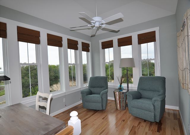 Tower Room of Forever 409, a 6 bedroom, 5.5 bathroom vacation rental in Corolla, NC