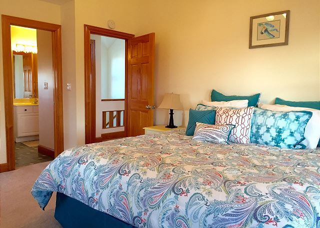King Bedroom Top Level of OB Wave, a 5 bedroom, 3.5 bathroom vacation rental in Corolla, NC