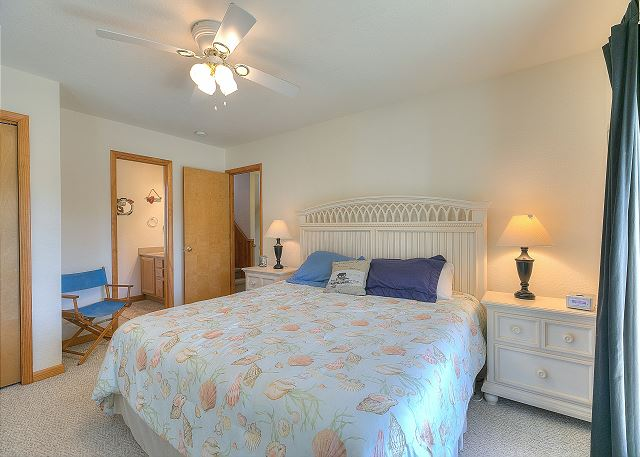 King Master Bedroom Mid Level of Sea the Green, a 7 bedroom, 5.5 bathroom vacation rental in Corolla, NC